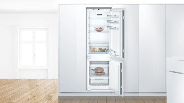 Serie | 4 Integreeritav külmik-sügavkülmik, sügavkülmik all